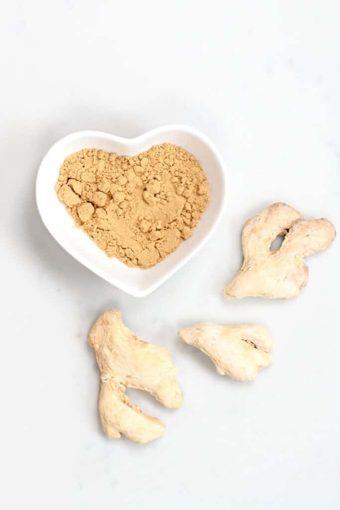 ginger root and ginger powder