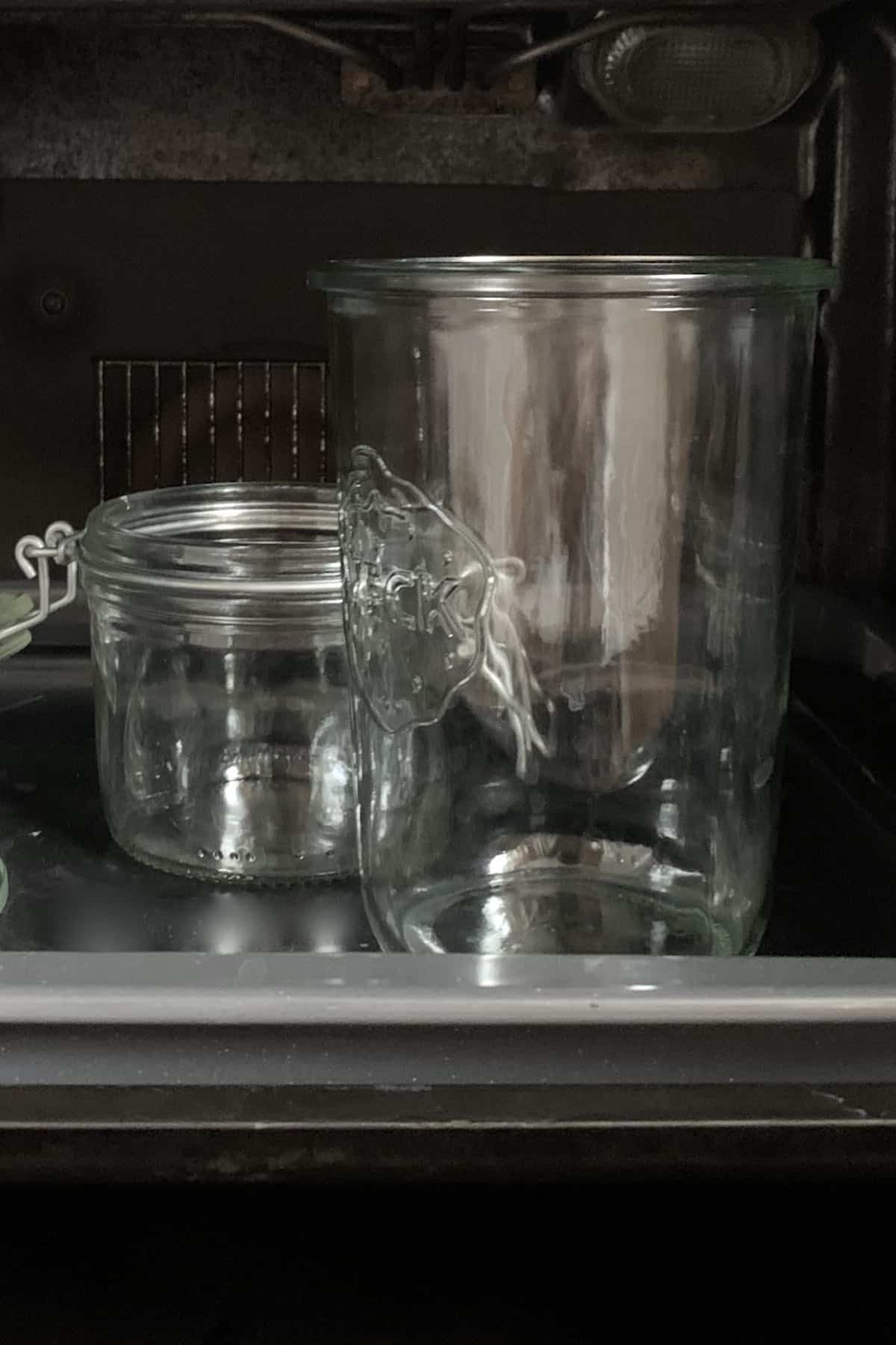 sterilizing glass jars in oven