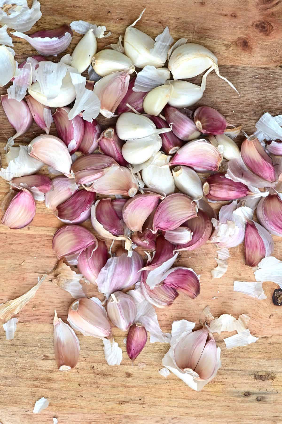 A bunch of peeled garlic cloves