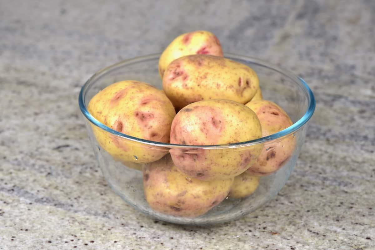 A bowl of potatoes