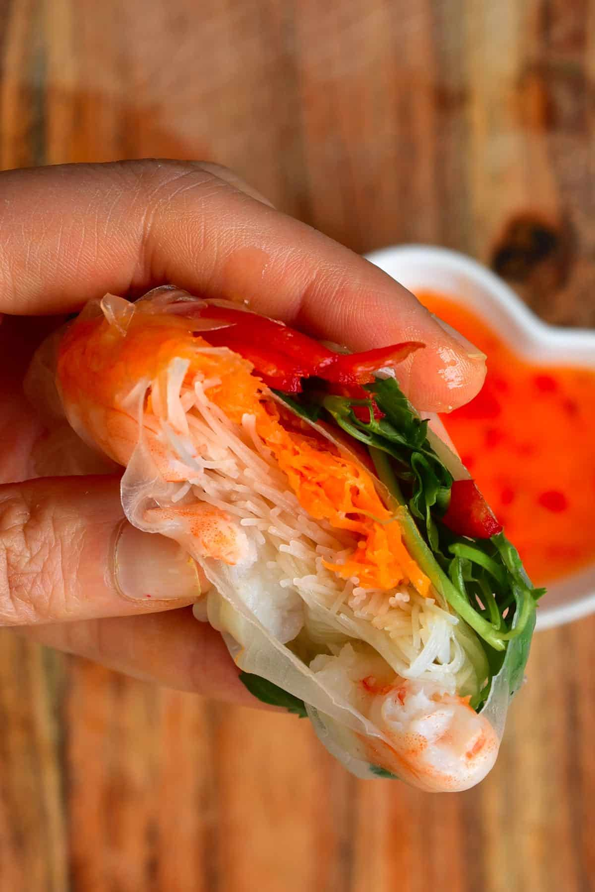 Rice paper wrap with shrimp and carrots