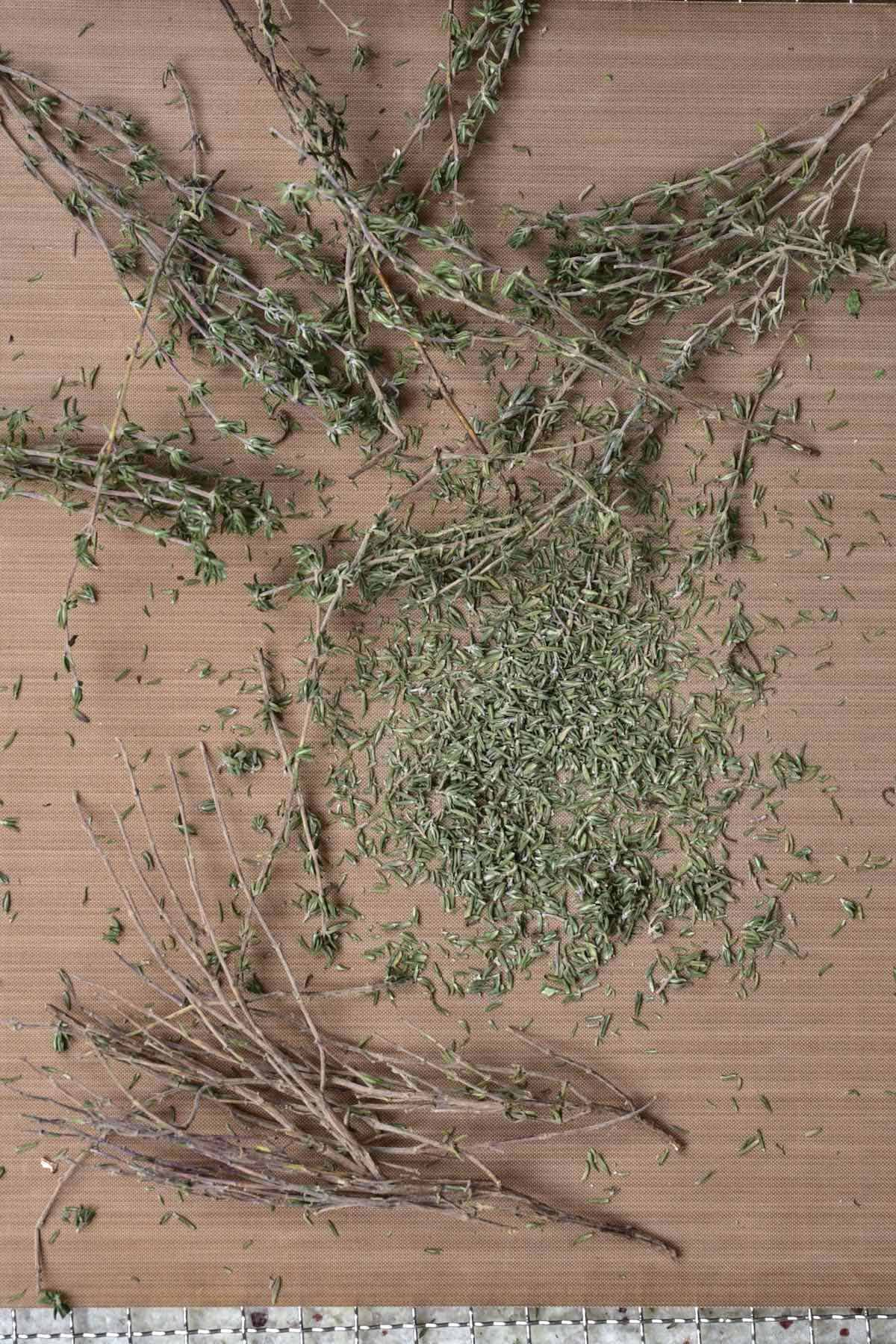 Dried thyme with the stems removed