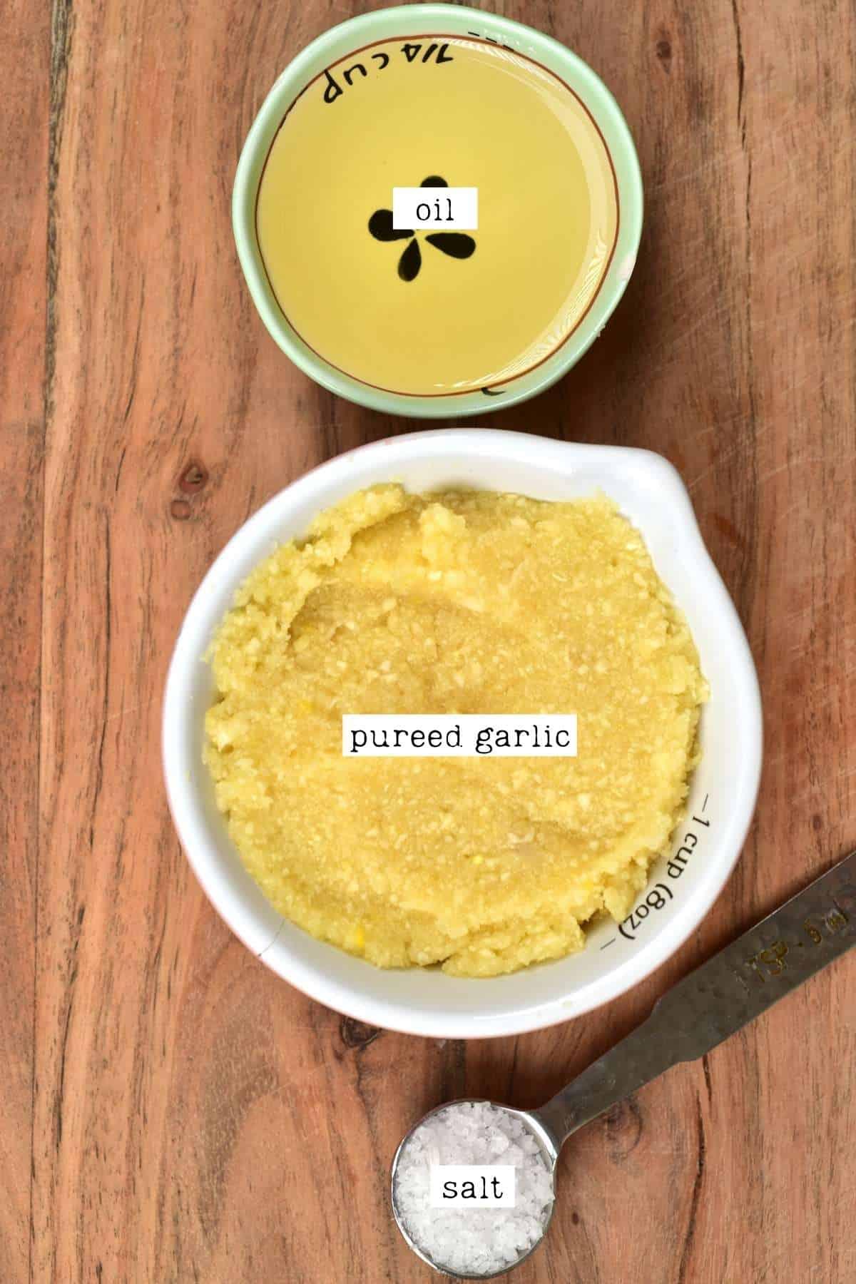 Ingredients for making garlic paste