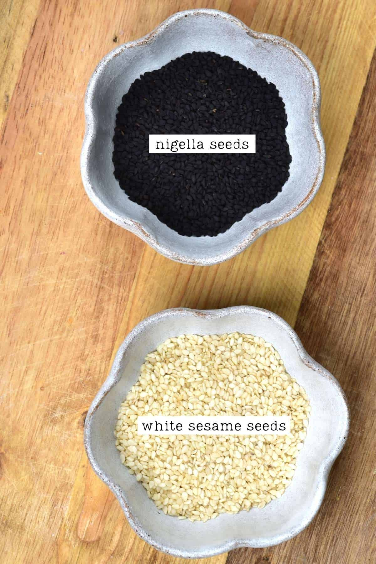 Nigella and white sesame seeds