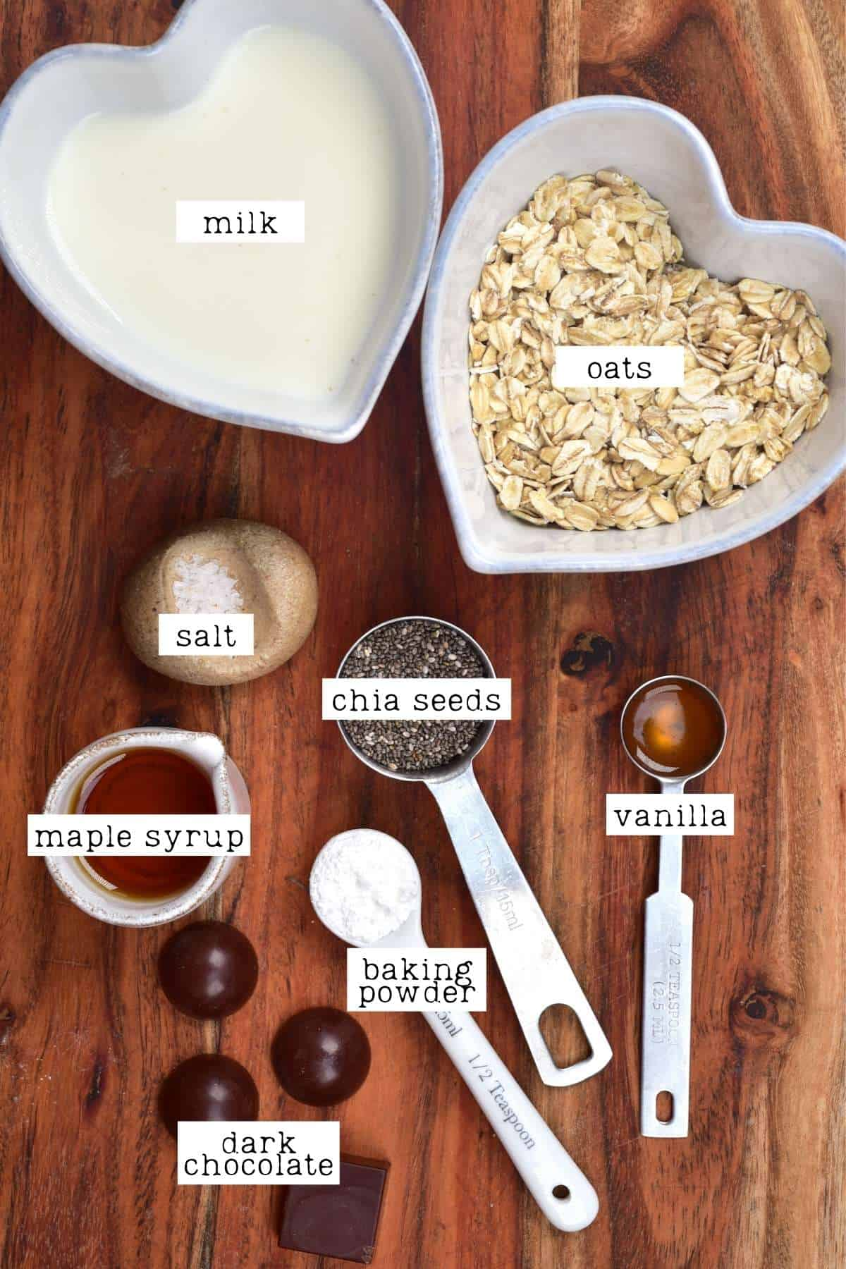 Ingredients for vanilla chocolate baked oats