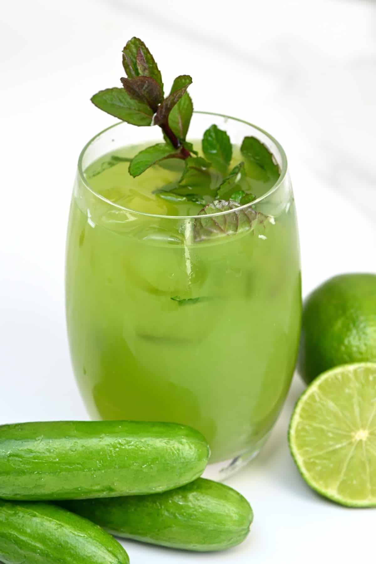 Cucumber lemonade in a glass