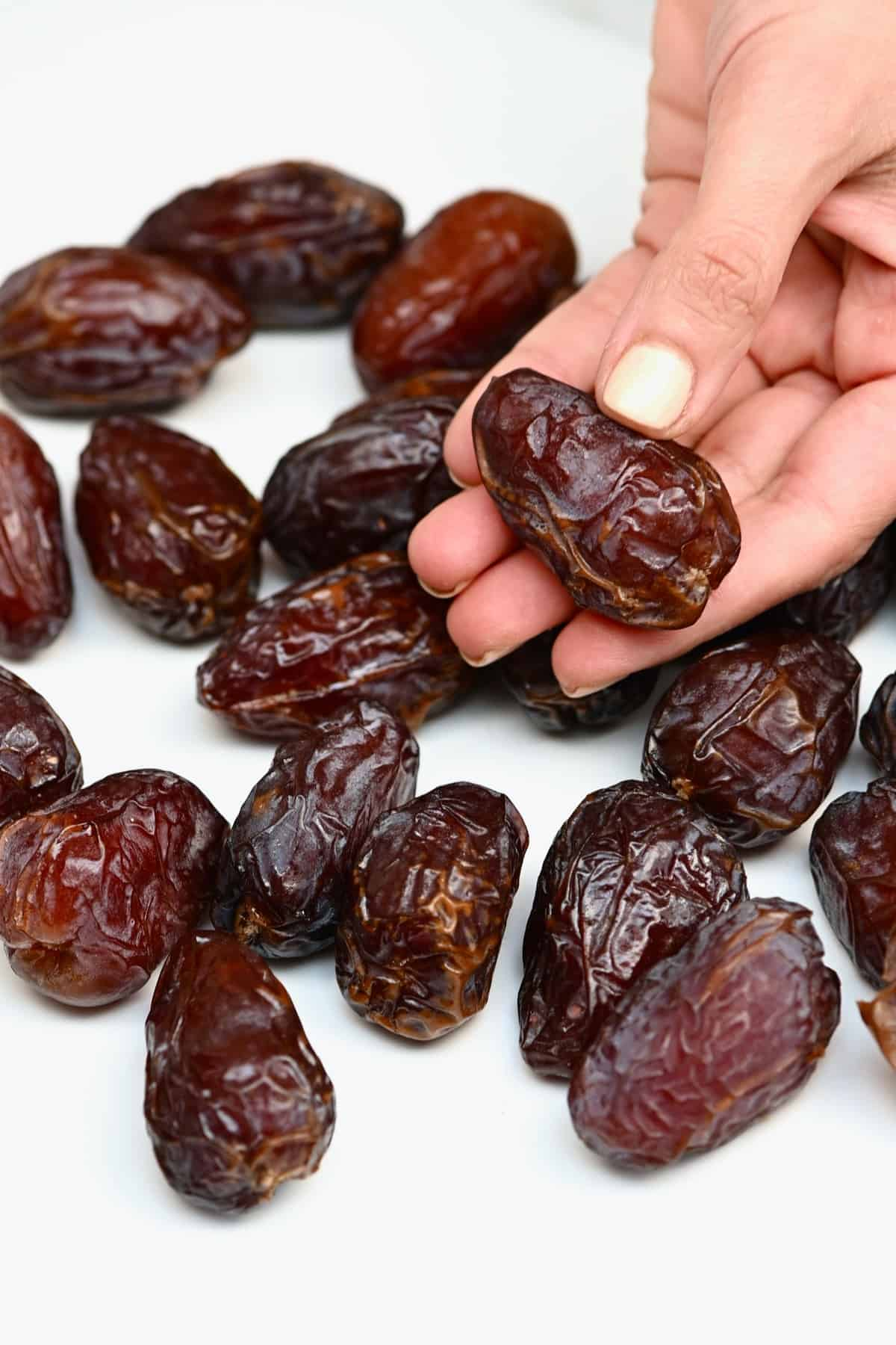 Holding a date