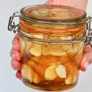 ferment honey garlic in a jar