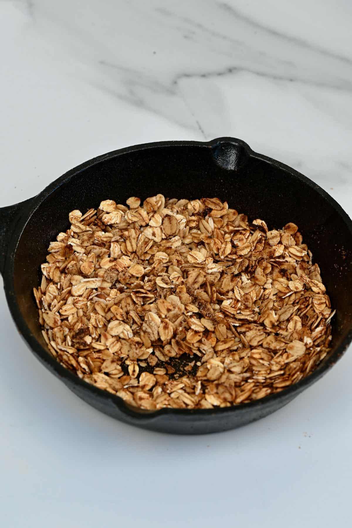 Crispy oats in a bowl