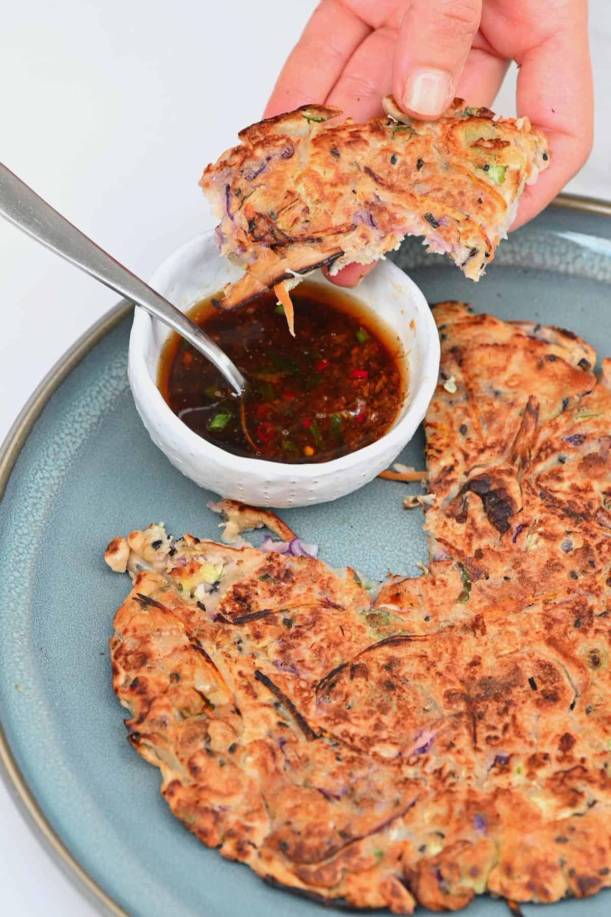 Korean savory pancake and dipping sauce