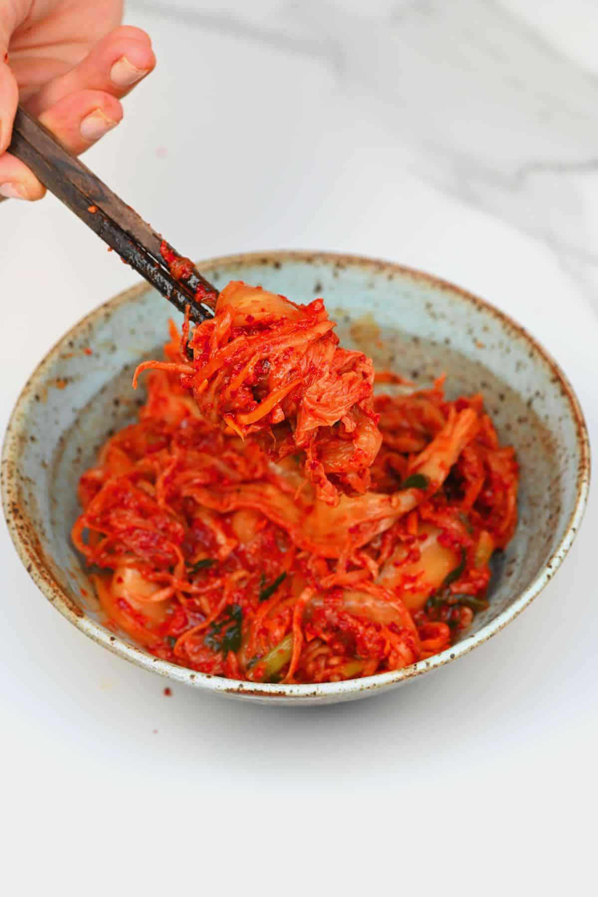 Plating kimchi