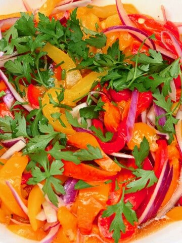 Roasted pepper salad with parsley