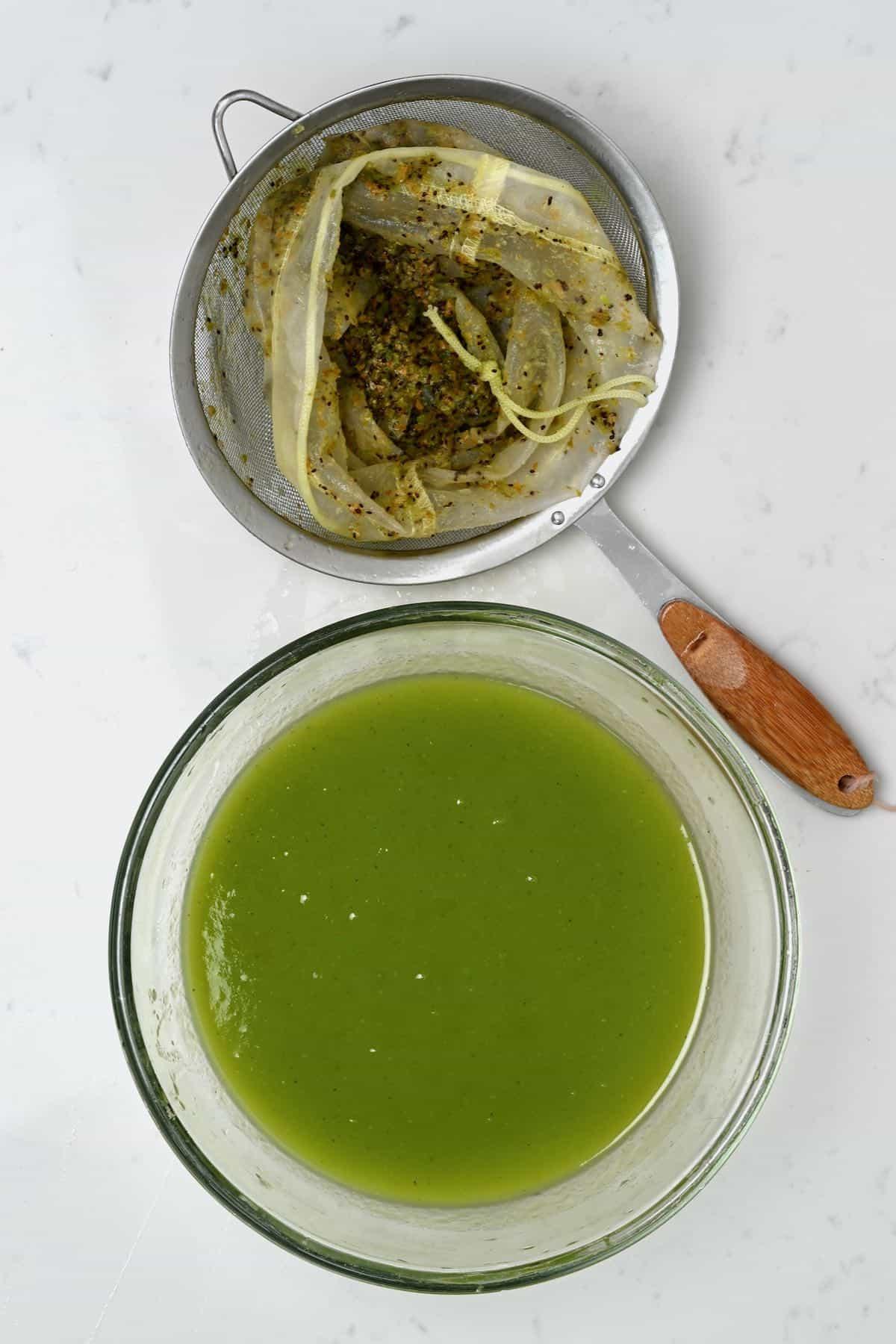 Sieved kiwi juice