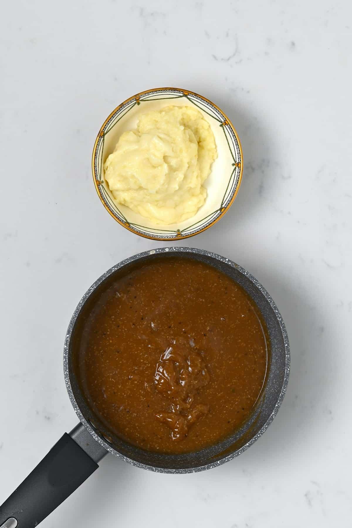 Vegan gravy and mashed potatoes